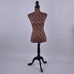 Декоративный тканевый манекен с узорами