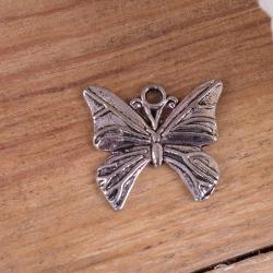 Металлическая подвеска серебряная бабочка