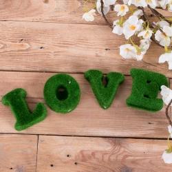 буквы Love зеленые