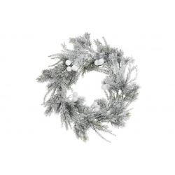 Венок из искуственной хвои в снегу с белыми ягодами 42см